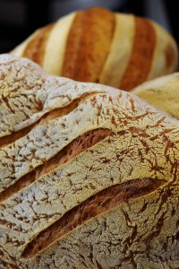lago-italian-bakery-baking-fresh-bread